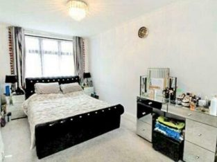 £1650 PM – 3 KING BEDROOM FLAT FOR RENT IN REDBRIDGE