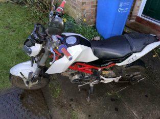Benelli tnt 125 motorbike
