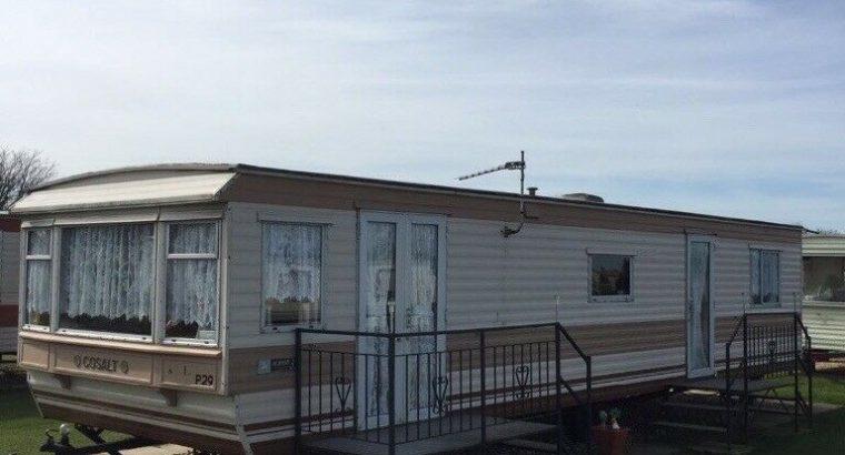 8 birth caravan for hire on summerlands site ingoldmells £220 pw