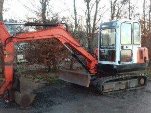 Hanix H45 Mini Digger. Serviced with 3x buckets