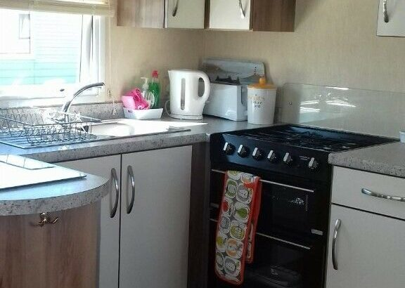 Trecco Bay 2 bedroom modern van only for mature couple and small dog £150 pw