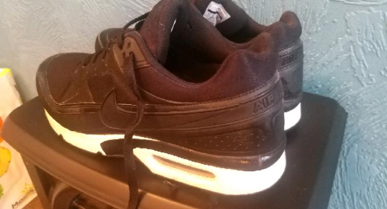Mens Nike Air Max size 10
