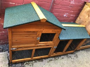 2 X Rabbit Hutches £40 each