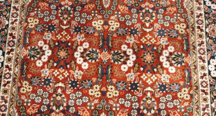 Hand-made 100% Wool Iranian rug, rust colour