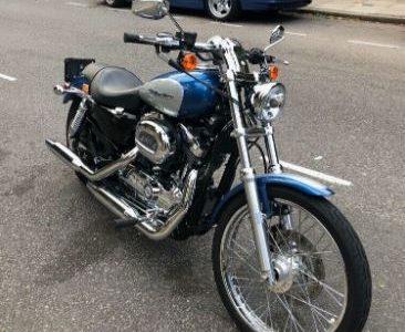 Harley-Davidson Sportster XL 1200 CUSTOM / 3,600 MILES