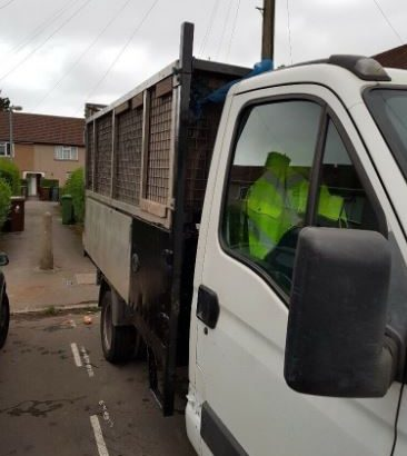 Rubbish removal, skip 12 yards from £80 waste disposal ,skip hire ,yank , garden waste