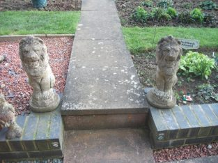 GARDEN STONE LION ORNAMENTS