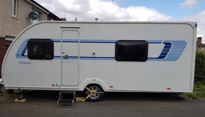 Sprite major 2012 fixed bed dinette option And motor mover