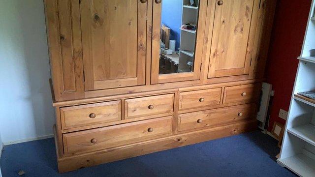 Triple Oak Wardrobe with 6 drawers