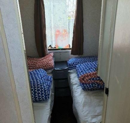 8 berth 3 bed caravan,ingoldmells,DOG FRIENDLY, sat-sat 8-15th aug,£330 plus bond