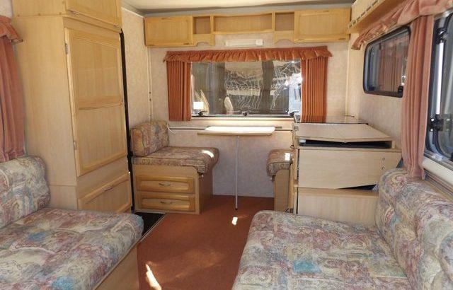 Gobur Carousel 10/3 lightweight folding caravan + mover