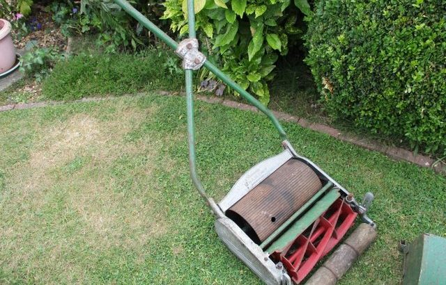 LAWN MOWER. RANSOME 12 INCH AJAX MK 4 £0 or offers above