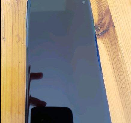 Samsung galaxy s10 mint condition