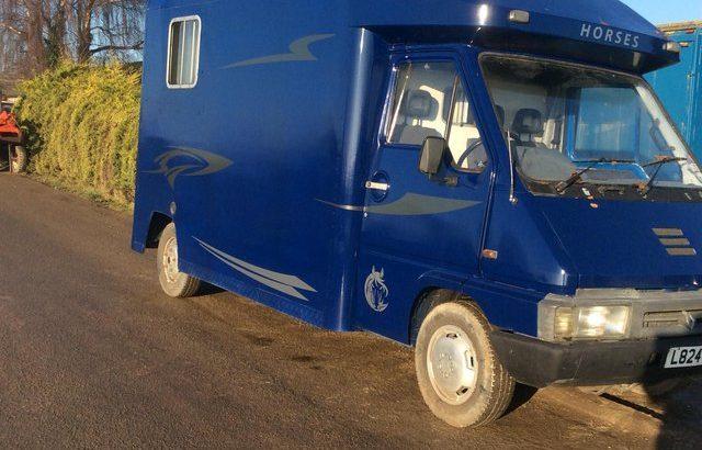 Renault master 3.5 tonne horsebox