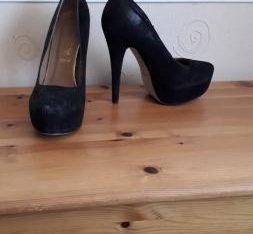 Ladies size 5 platform stilettos