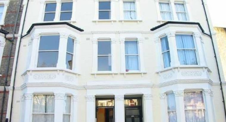 1 bedroom flat in Harvist Road, North West London £1495 pm