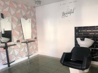 Hair and Beauty Salon for rent in Havant