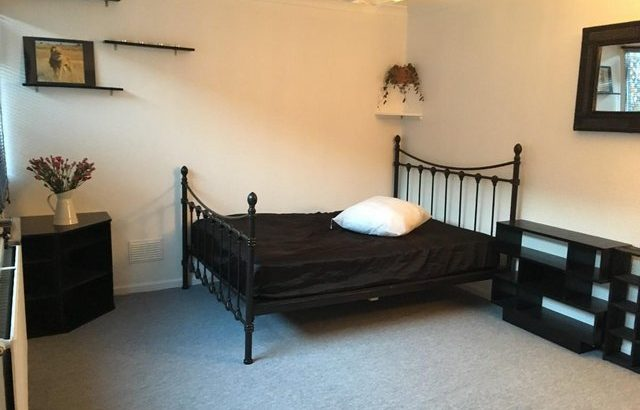 LARGE DOUBLE ROOM AVAILABLE JULY 2020 £790 PM