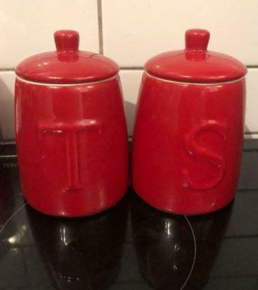 Tea and sugar jars