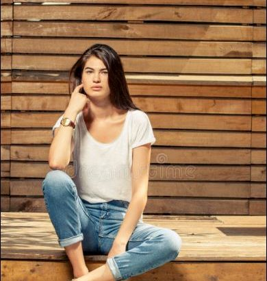 Amateur female model wanted £££
