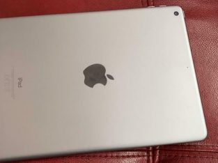 Apple iPad 5th generation 32gb WiFi
