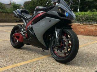 Yamaha r1 4c8