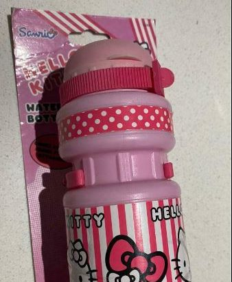 Hello kitty water bottle with Bike fitting