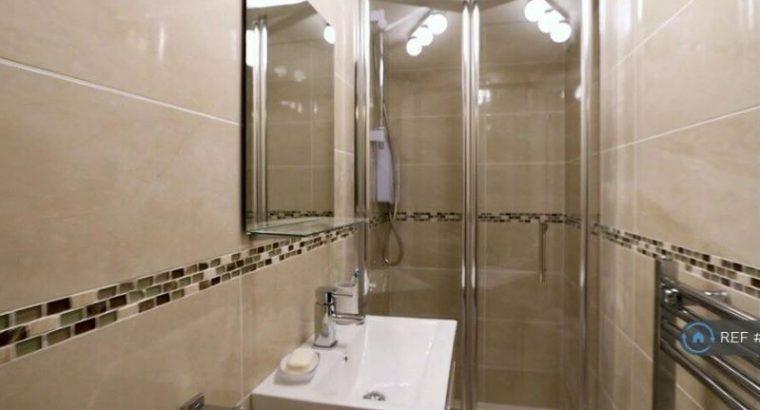 1 bedroom in Poplar Grove, Stockport, SK2 (#868647)