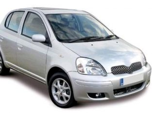 2005 Toyota Yaris 1.3 Silver 5 door BREAKING/PARTS