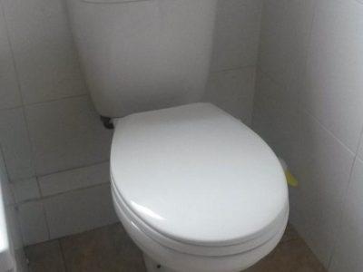 Three piece White Bathroom Suite
