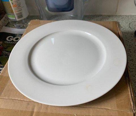 Dinner Plates Unused – original box