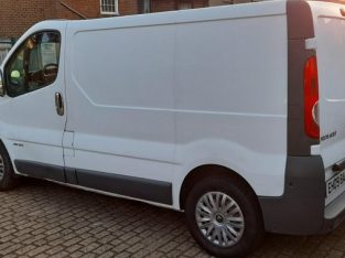 LHD 2011 Renault Trafic 2.5 DCI Automatic 116,000 miles