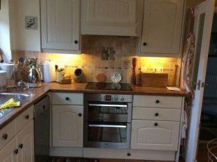 Kitchen Units Excellent Condition