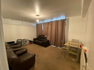 LARGE 1 BEDROOM FLAT IN MILE END FOR £1400 PCM COUNCIL TAX INCLUDED IN THE RENT