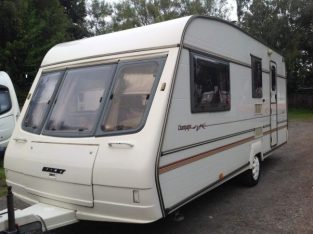 Spacious Bailey Pageant Champagne 4/5 berth Caravan