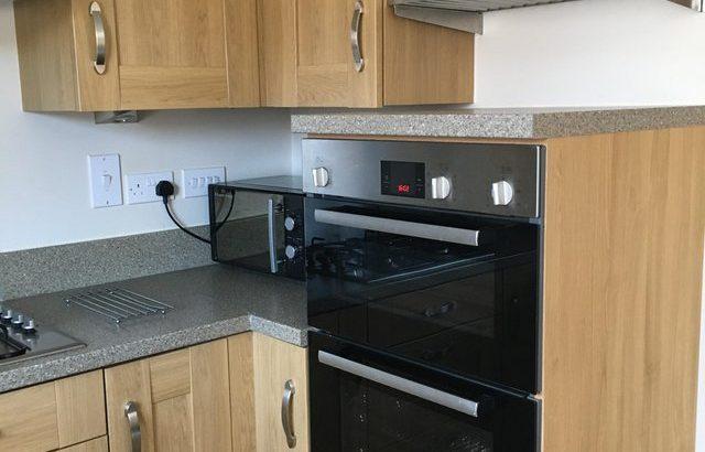 Kitchen cabinets/worktop