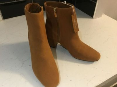 New ladies suede boots