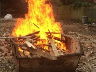 FIREWOOD DELIVERED FREE OF CHARGE BROCKENHURST AREA