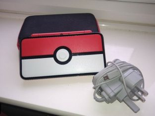 Nintendo 2DS XL Pokémon Collectable Console Plus 6 Games & Carry Case.