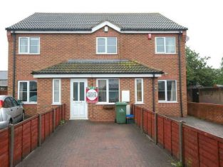 2 bedroom house in Sandford Street, Grimsby, N E Lincolnshire, DN31