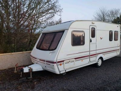Swift Challenger 500 SE Fixed Bed 4 Berth Full Awning