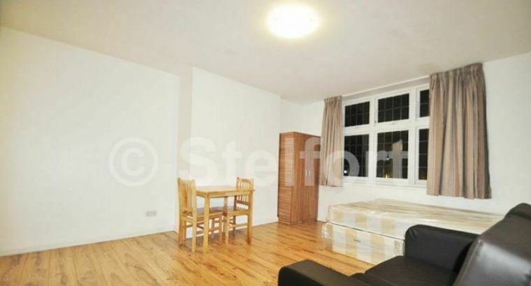 Studio flat for rent in London, N20 Oakleigh Road North,