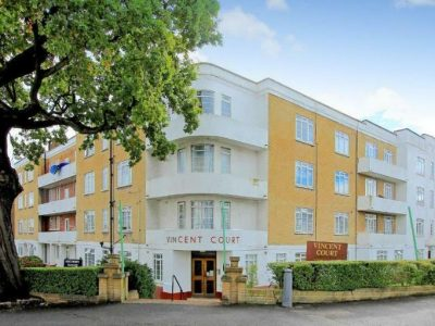NW4 Bell Lane, Hendon, 2 bedroom flat in Vincent Court