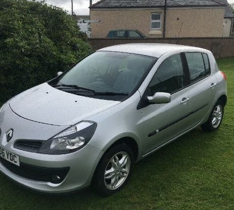 For sale Turbo Diesel Silver Renault Clio 1.5 cc